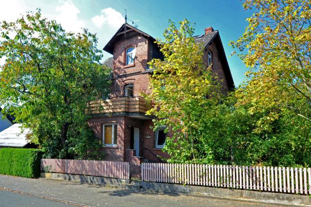 referenzen gladenbach erdhausen einfamilienhaus mit remise besser ein haus mit garten. Black Bedroom Furniture Sets. Home Design Ideas